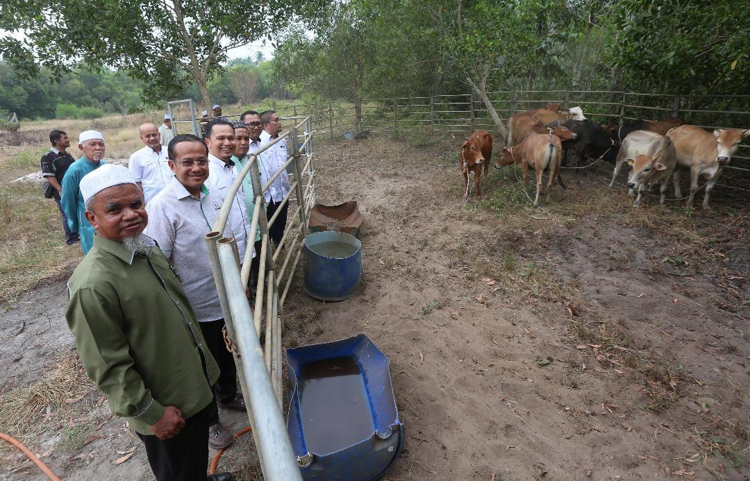 Majlis Penyerahan Lembu Qurban DUN Rhu Rendang