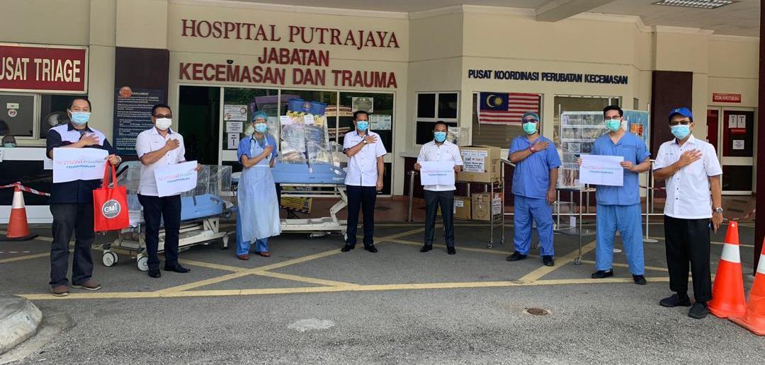 HOSPITAL PUTRAJAYA MENERIMA SUMBANGAN KELENGKAPAN PELINDUNG DIRI (PPE) DARIPADA ROADCARE